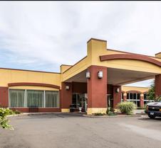 Clarion Hotel & Suites Hamden-New Haven