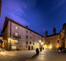 Palacio De Pujadas By Mij