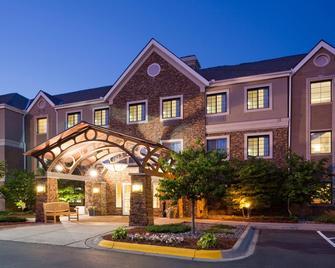 Staybridge Suites Mpls-Maple Grove/Arbor Lakes - Maple Grove - Gebouw