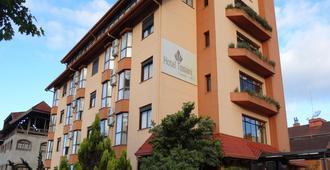 Hotel Tissiani Canela - Canela - Rakennus