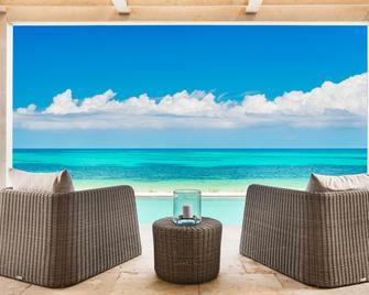 Sailrock Resort - Oceanview Villas & Suites - Cockburn Harbour - Pool