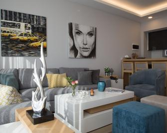 The Stay Furnished Apartments - Dbayeh - Living room
