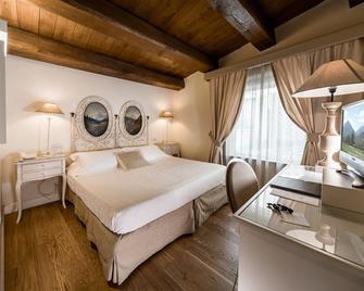 Hotel & Residenza 100 Torri - Ascoli Piceno - Schlafzimmer
