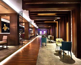 Harris Hotel & Conventions Gubeng - Surabaya - Bar