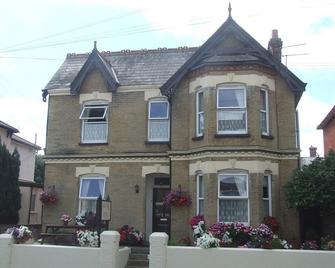 The Ryedale - Shanklin - Building