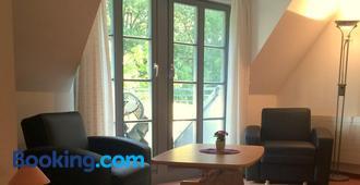 Apartment Sonnenhof Bad Elster - Bad Elster - Living room