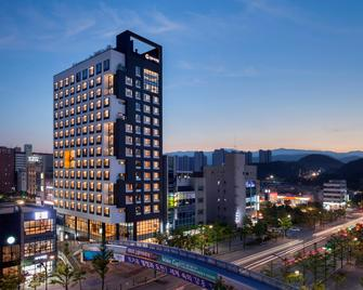 Gangneung City Hotel - Gangneung - Edificio