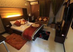 Tiger Garden Int Hotel Khulna - Khulna - Spa