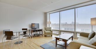 Lancaster Square By Bridgestreet - Baltimore - Living room
