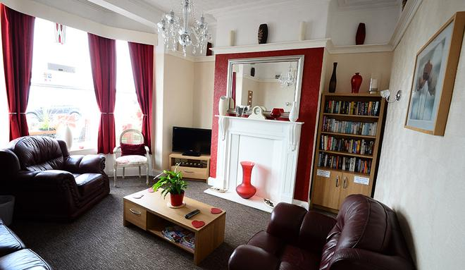 Miricia Guest House - Scarborough - Living room
