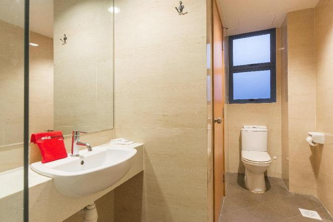 RedDoorz Plus Victoria Hotel - Singapore - Kylpyhuone