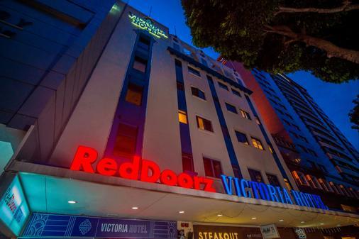 RedDoorz Plus Victoria Hotel - Singapore - Rakennus