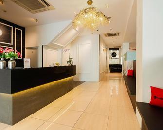 Victoria Hotel (Sg Clean) - Singapore - Front desk