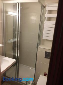 Hôtel Relais d'Etretat - Bolbec - Bathroom