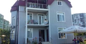 Nikoloz Mosidze's Guest House - Batumi - Building