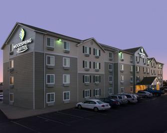 Woodspring Suites Topeka - Topeka - Gebouw