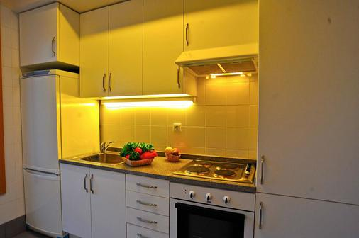 Basic Braga By Axis - Braga - Kitchen