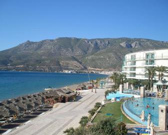 Club Hotel Casino Loutraki - Loutraki - Venkovní prostory