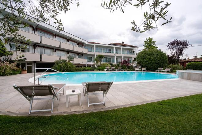 羅密歐朱麗葉酒店 - 拉齊塞 - 游泳池