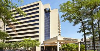 Embassy Suites by Hilton Crystal City National Airport - Arlington