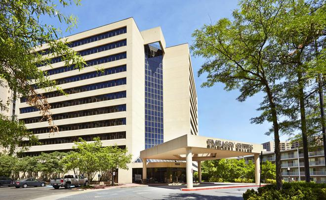 Embassy Suites by Hilton Crystal City National Airport - Arlington - Building
