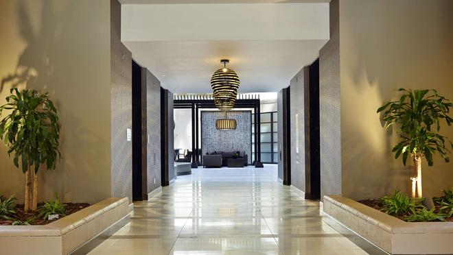 Embassy Suites by Hilton Crystal City National Airport - Arlington - Lobby