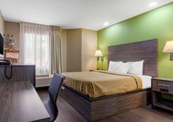 Rodeway Inn - Tuscaloosa - Bedroom