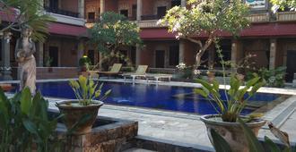 峇里丹戎旅館 - 庫塔