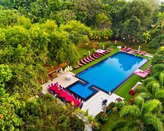Heritage Hotel - Анурадхапура - Басейн