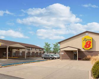 Super 8 by Wyndham North Platte - North Platte - Building