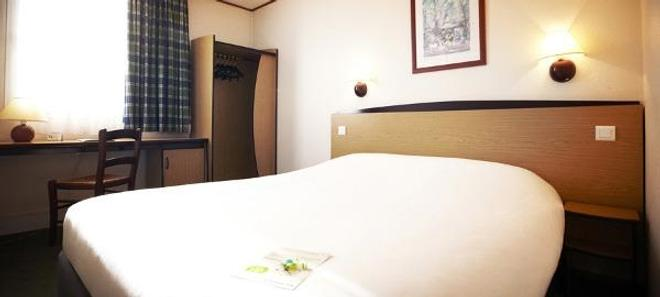 Campanile Hotel Brussels - Airport - Zaventem - Bedroom