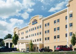 Baymont by Wyndham Erie - Erie - Building