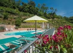 Gli Ulivi di Montalbano - La Spezia - Piscina