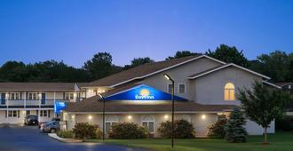 Days Inn by Wyndham Middletown/Newport Area - Middletown - Edifício