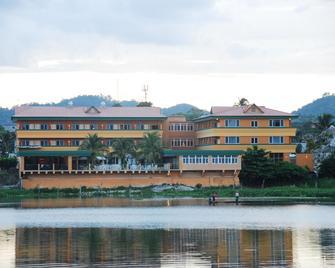 Peten Esplendido Hotel and Conference Center - Flores - Building