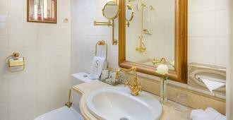 Stikliai Hotel - Vilnius - Bathroom