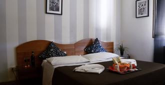 Darius Firenze B&B - Florence - Bedroom