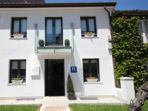 Le Petit Boutique Hotel - Adults Only - Santander - Building