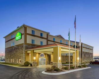 La Quinta Inn & Suites by Wyndham Rockford - Rockford - Gebäude