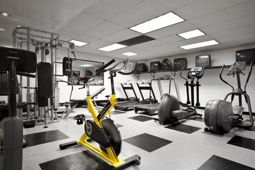 International Hotel Calgary - Calgary - Gym