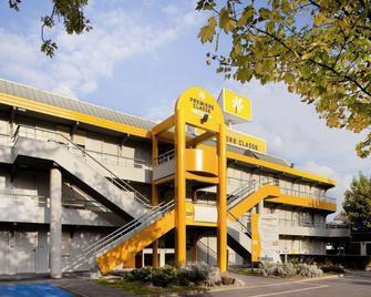 Premiere Classe Lyon Est - Aéroport Saint Exupéry - Saint-Laurent-de-Mure - Building