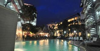 Top North Hotel - Chiang Mai - Piscine