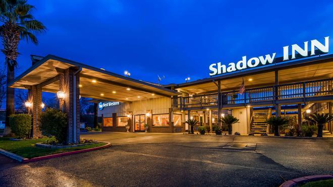 Best Western Shadow Inn - Woodland - Rakennus