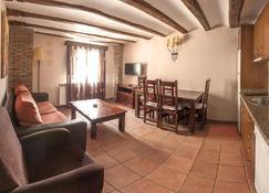 Apartamentos Los Aljezares - Albarracín - Living room