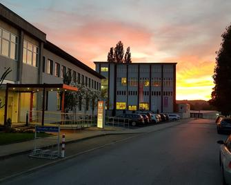 Ruhr Inn Hotel - Hattingen - Building