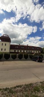 Stara Vezha Hotel - Boryspil' - Outdoors view