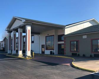 Quality Inn & Suites - Mount Vernon - Building