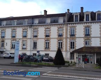 Hôtel Labat anciennement clinique Labat - Orthez - Edificio