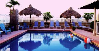 Rooftop Resort - Clothing Optional - Adult Only - Hollywood - Pool