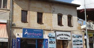 Konak Alibey - Uchisar - Edificio